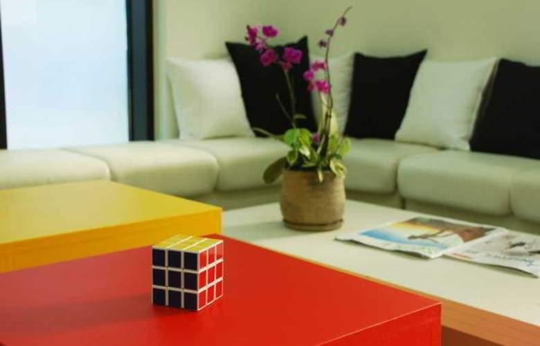 Yellow Brick 2 Hostel - Hotel - 0