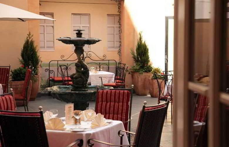 Leonardo - Restaurant - 8