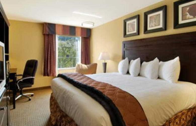 Baymont Inn & Suites Lafayette - Hotel - 0