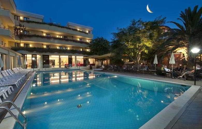 Park Hotel Kursaal - Pool - 7