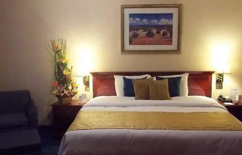 Quality Inn Suites Saltillo Eurotel - Room - 4