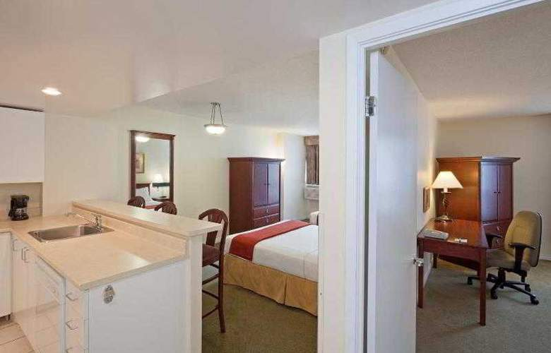 Faubourg Montréal - Room - 11