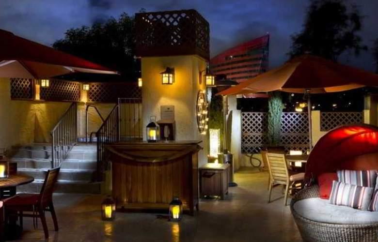 Le Parc Suite Hotel - Terrace - 3