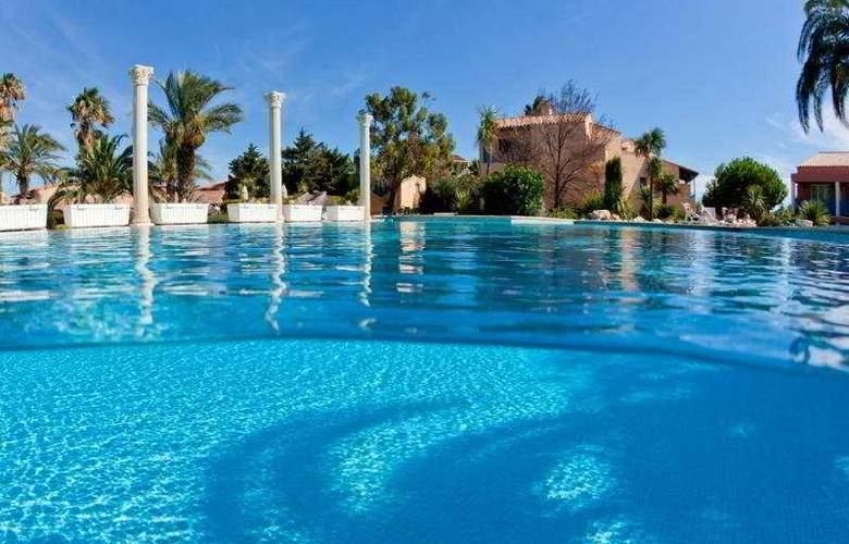 Cela Caet Residence Jamaica - Pool - 6