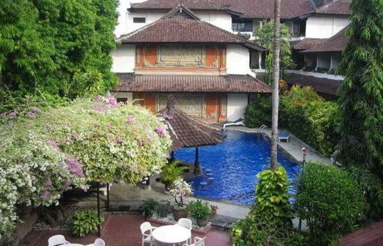 ARI PUTRI HOTEL - Pool - 4