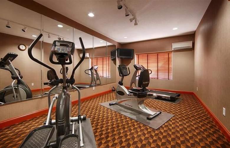 Best Western Mountain Villa Inn & Suites - Sport - 35