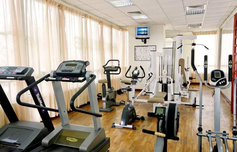 Landmark Suites Ajman - Sport - 3