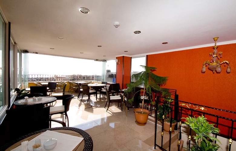Elfida Suites Hotel - Terrace - 32