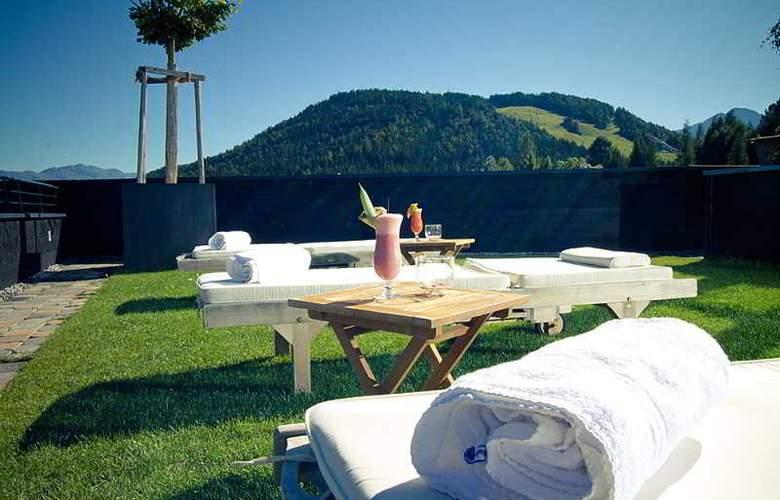 Krumers Post Hotel & Spa - Terrace - 30