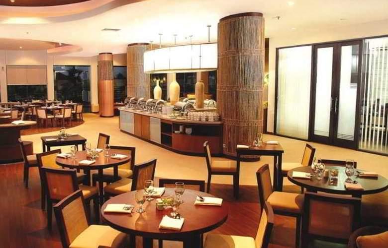 Bannana Inn Hotel & Spa - Restaurant - 9