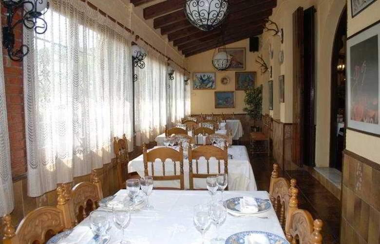 El Moli Hotel Rural - Restaurant - 10