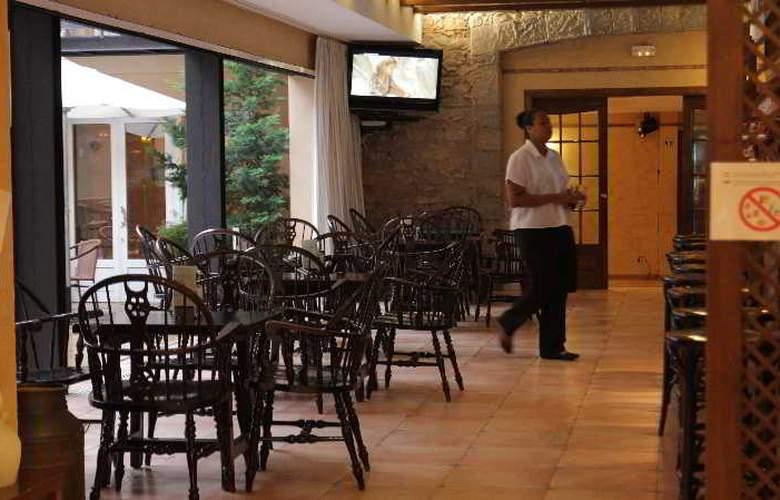 Park Hotel - Bar - 10