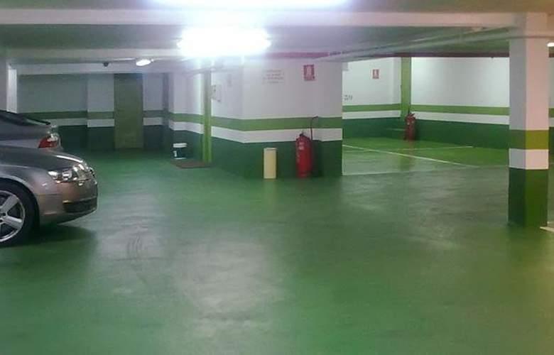 Tryp Ciudad de Alicante - Services - 4