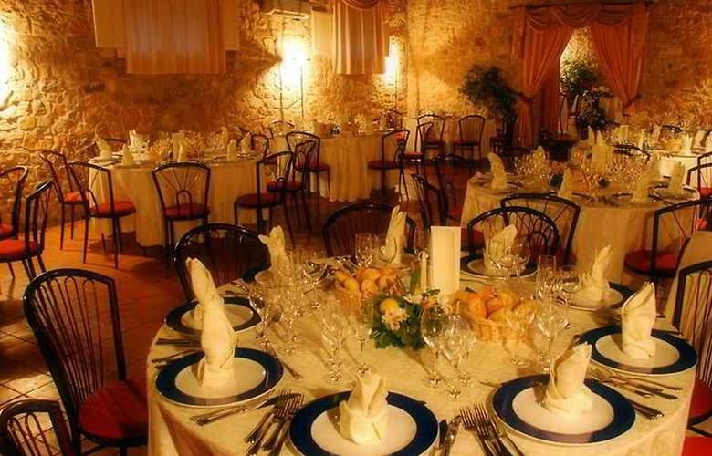 Torre Artale Hotel and Villas - Restaurant - 8