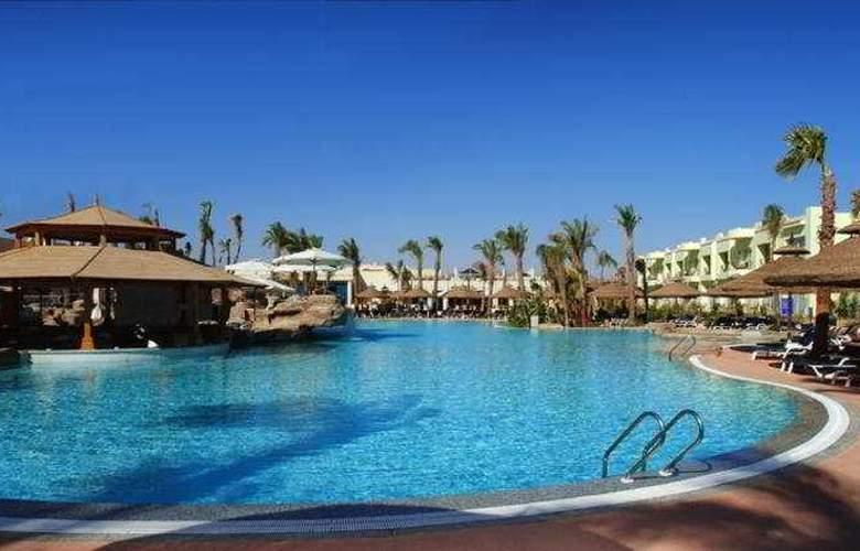 Sierra Hotel - Pool - 7