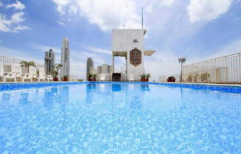 City House Soloy & Casino - Pool - 4