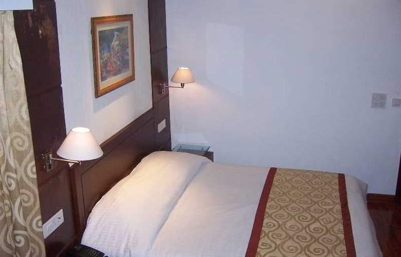 Sara Residency - Room - 7