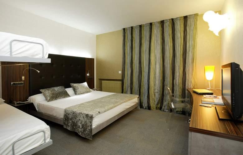 Petit Palace Tamarises - Hotel - 0