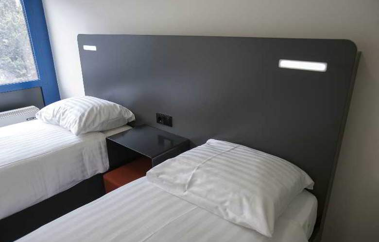 easyHotel Rotterdam City Centre - Room - 21