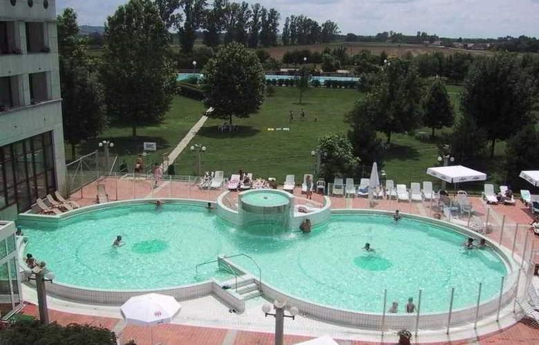 Lipa - Pool - 3