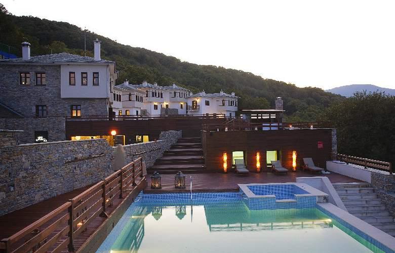 12 Months Luxury Resort - Hotel - 0