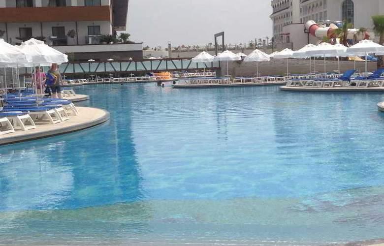 Terrace Elite Resort Hotel - Pool - 14