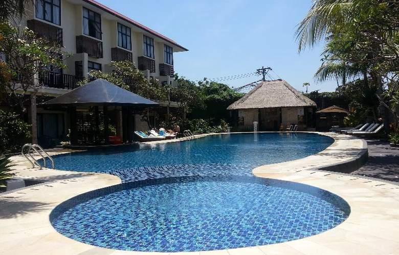 Best Western Resort Kuta - Pool - 23