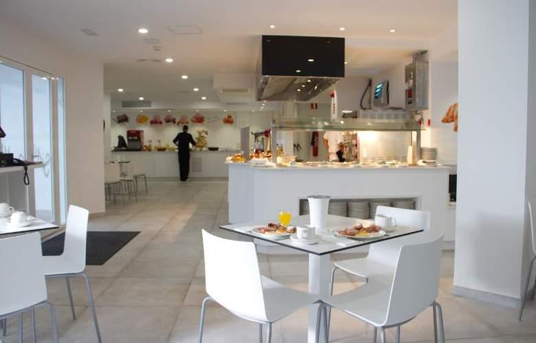 Triton Beach by Crea Hoteles (Sólo Adultos) - Restaurant - 5