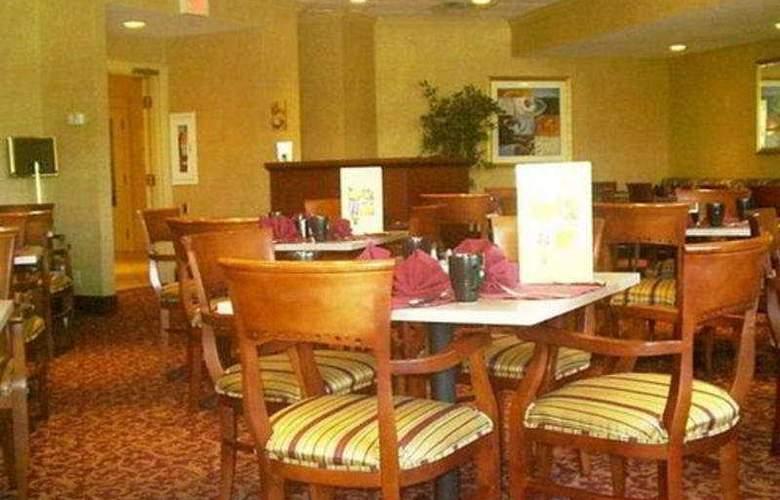 Ramada East Hartford - Restaurant - 8