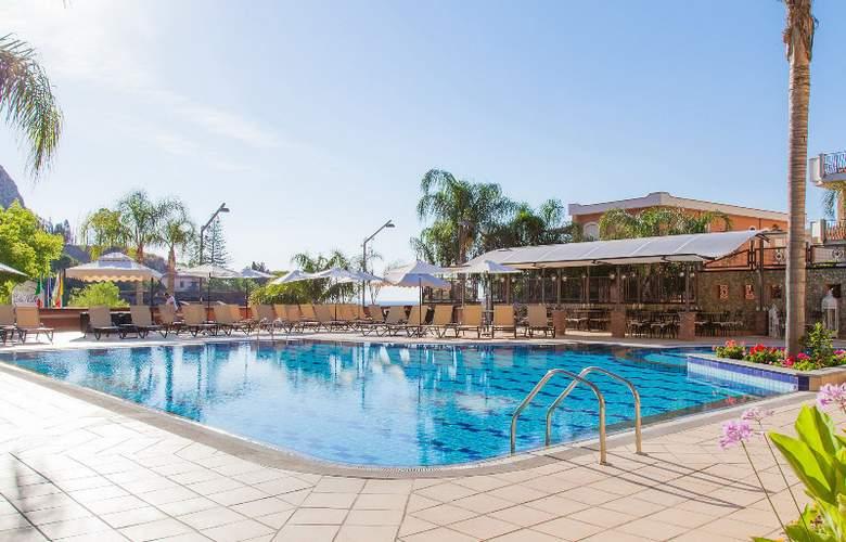 Diamond Resorts Naxos Taormina - Pool - 30
