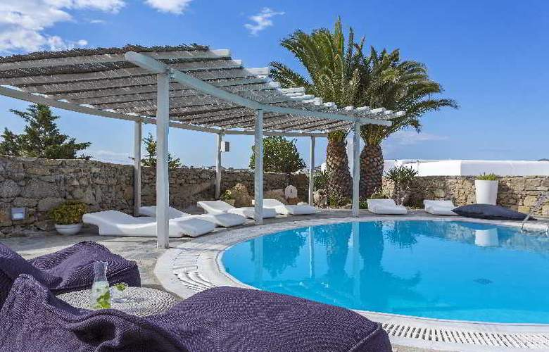 Ostraco Luxury Suites - Pool - 7