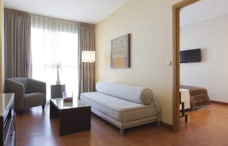 Vertice Sevilla - Room - 12