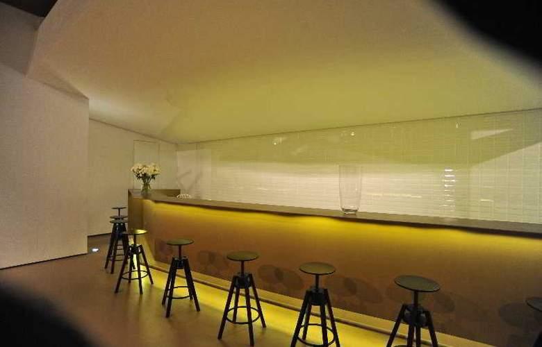 Basic Hotel Braga by Axis - Bar - 6