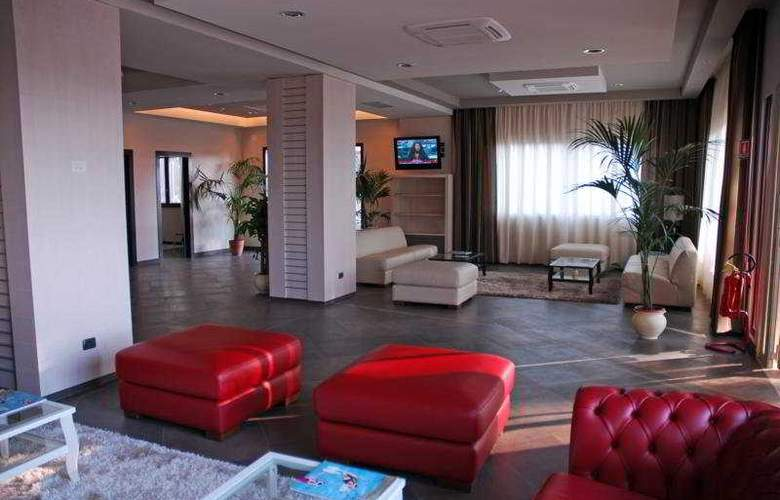 Viola Palace Hotel - General - 1