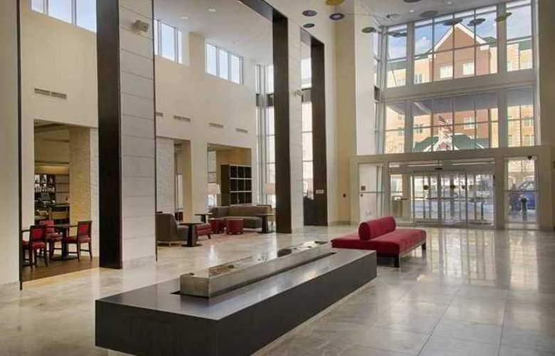 Embassy Suites Elizabeth Newark Airport - Hotel - 8
