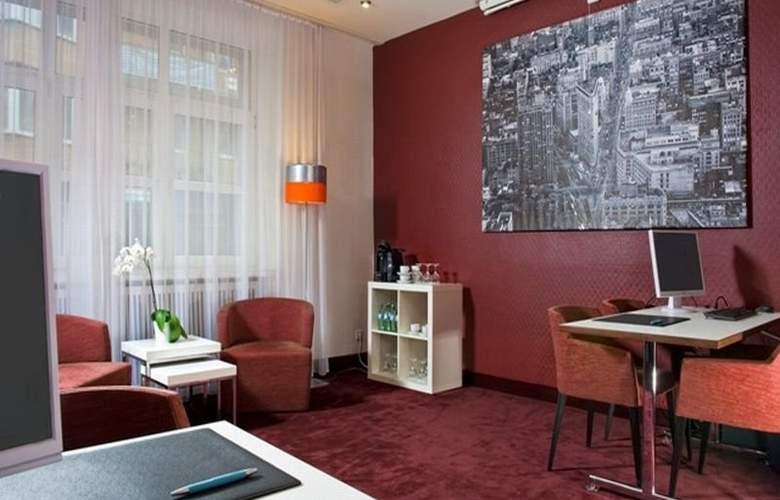 Wyndham Garden Duesseldorf City Centre Koenigsallee - Hotel - 6