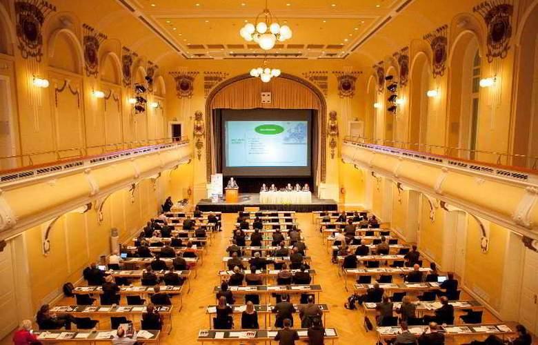 Grand Union - Conference - 8