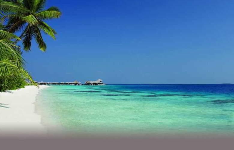 Coco Bodu Hithi - Beach - 2