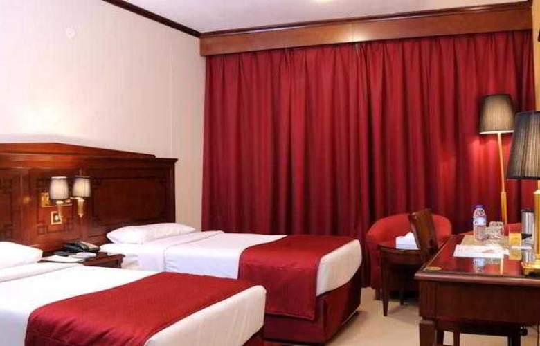 Admiral Plaza - Room - 3