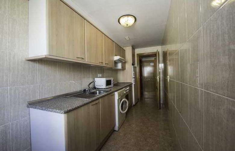 Pineda Park - Room - 15