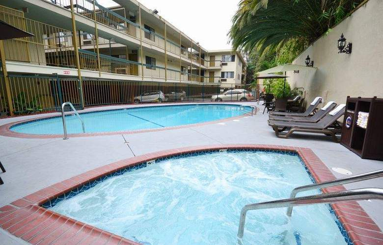 Best Western Hollywood Plaza Inn - Pool - 76
