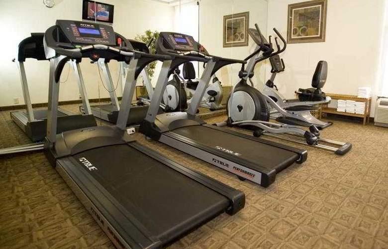 Holiday Inn Express Washington DC East-Andrews AFB - Sport - 7