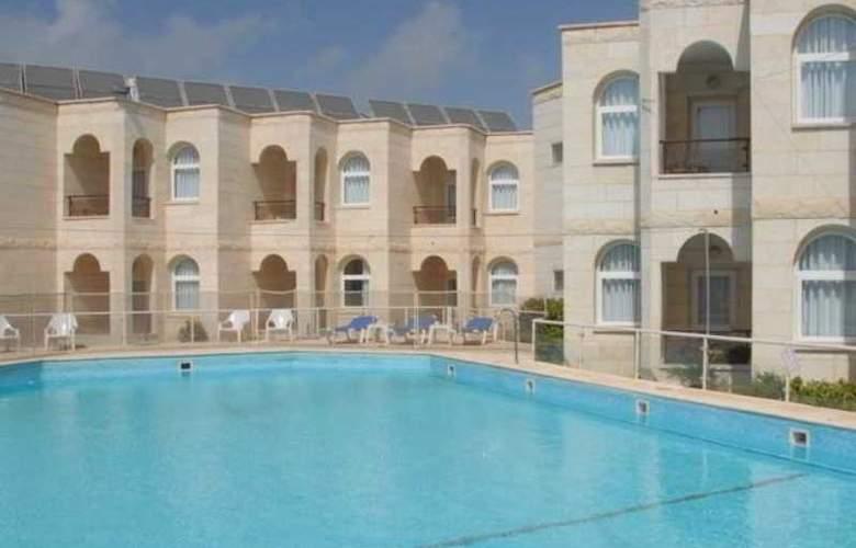 Acco Beach Hotel - Pool - 2