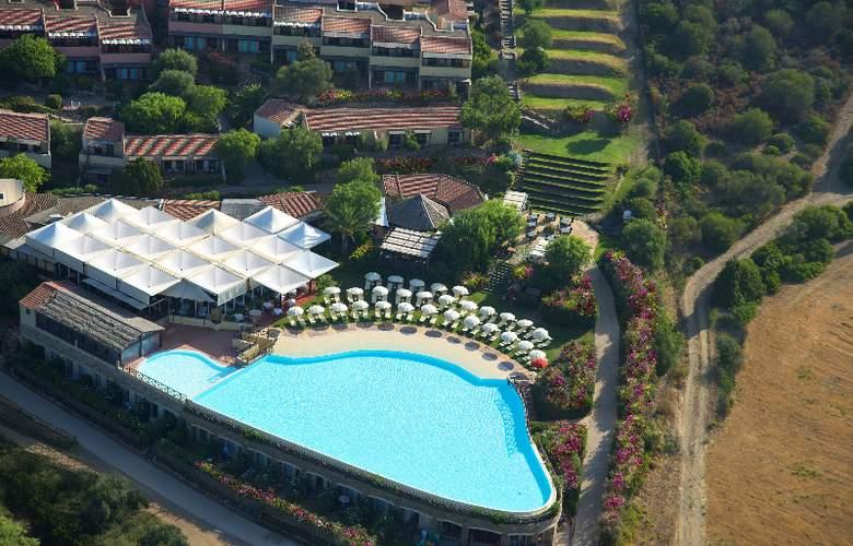 Parco Torre Chia - Pool - 17