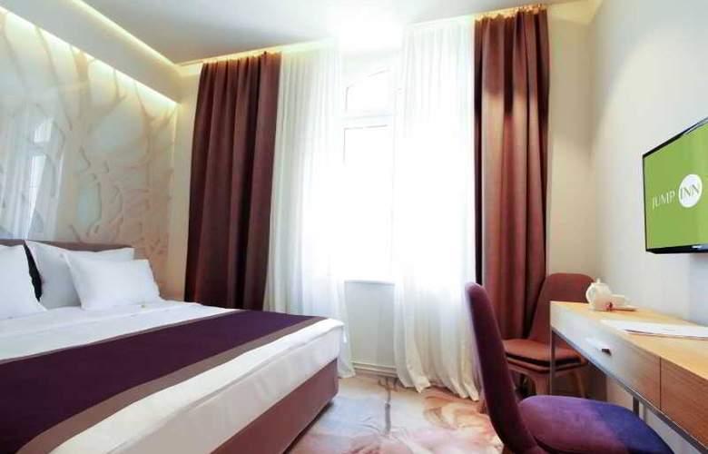 Jump Inn Belgrade - Room - 15