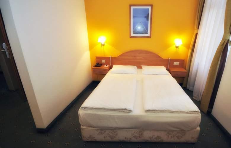 Golden Park Budapest - Room - 2
