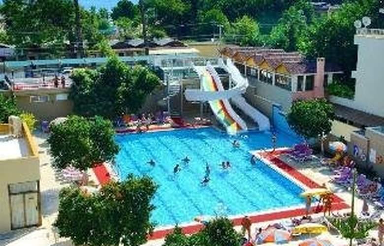 Selcukhan - Pool - 2