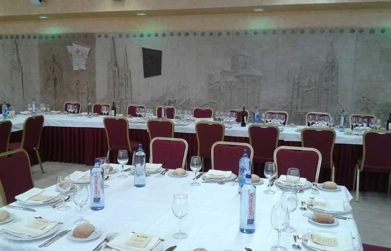 Sercotel Ciudad de Burgos - Restaurant - 58