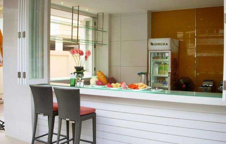 Tango Vibrant Living Place - Bar - 8