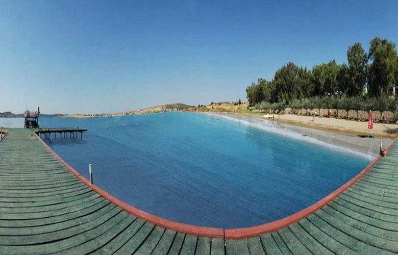 Halic Park - Beach - 7